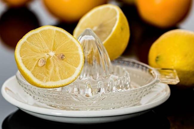 Skolko-limonnogo-soka-v-lozhke.jpg