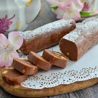 Классическая шоколадная колбаска из печенья и какао