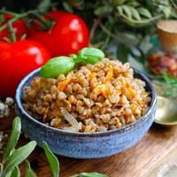 Гречка с луком и морковью на сковороде