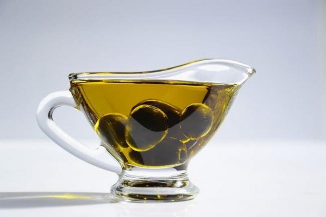 Skolko-olivkovogo-masla-v-lozhke.jpg