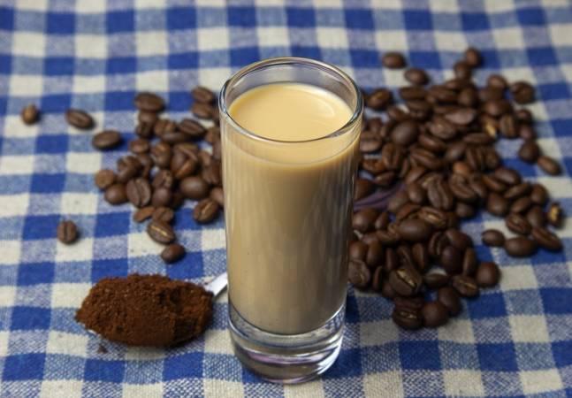 kofejnyj-liker-so-sgushhennym-molokom.jpg