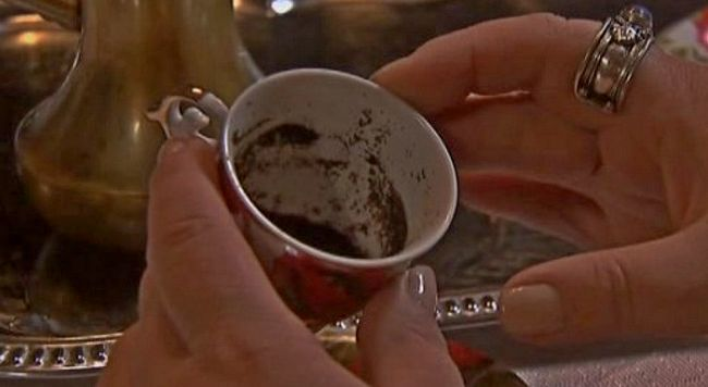 gadanie-na-kofeinoi-gushe.jpg