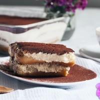 Тирамису со сливками и бисквитном печенье без сыра
