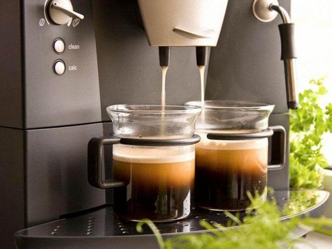 Pribor-s-odnovremennym-prigotovleniem-dvuh-chashek-kofe.jpg