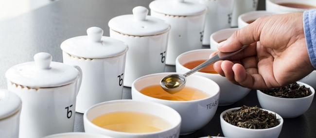 8-Разная-степень-заварки-белого-чая.jpg