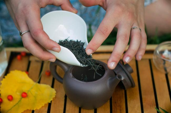 how-to-make-tea-in-pot2-1024x681.jpg