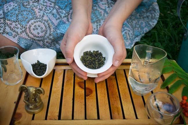 how-to-make-tea-in-gaiwan4-1.jpg