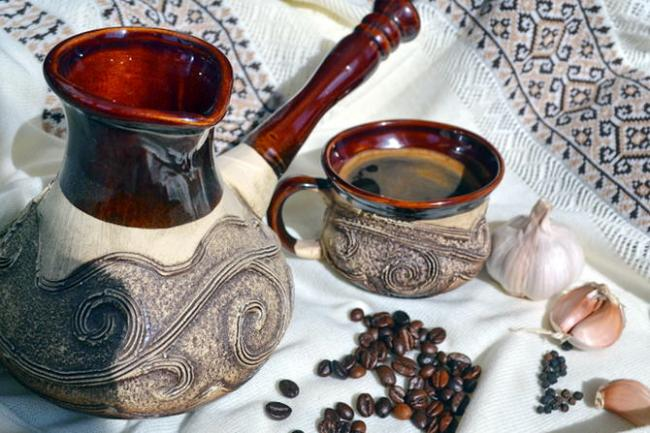 Kofe-s-medom-i-chesnokom.jpg