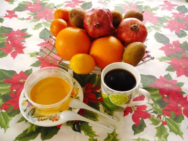 vaza-fruktov-kofe-i-med.jpg