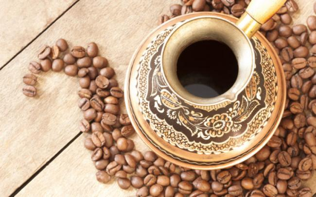 kofe-chashka-zerna-uzor-760x475.jpg