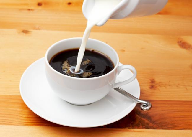 kaloriynost-kofe-so-slivkami.jpg