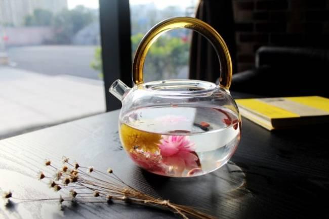 tea-rose-corolla-1871837_960_720-e1511434885482.jpg