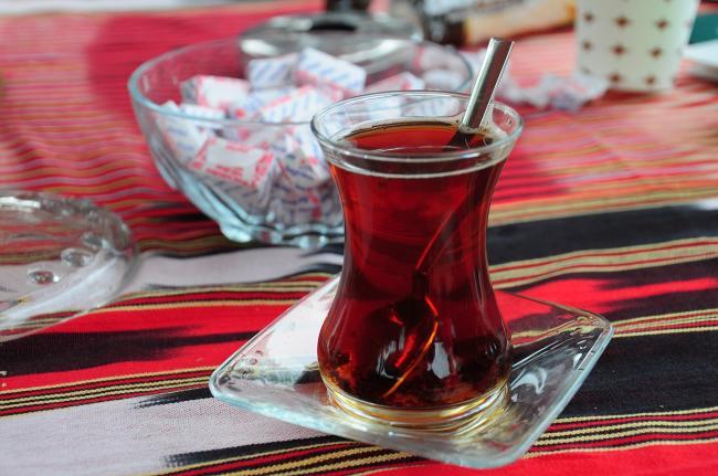 Tureckij-chaj-v-chashke.jpg