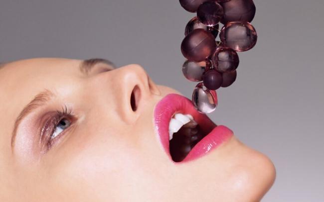 face-women-mouth-nose-pink-skin-head-flower-beauty-eye-hand-finger-leg-sense-lip-neck-produce-ear-human-body-organ-close-up-37647-900x563.jpg