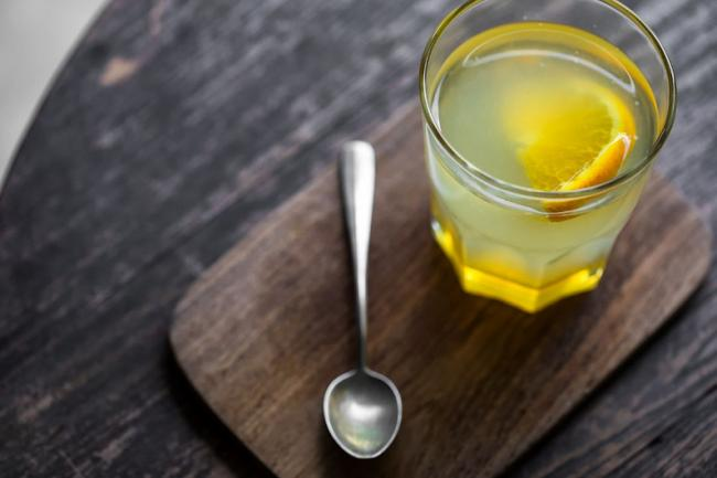 В чем польза воды с медом натощак?