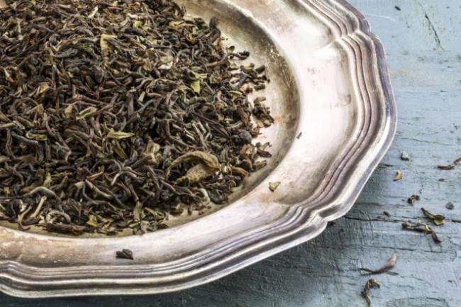 bigstock-Loose-Black-Darjeeling-Tea-On-100992755-840x560-e1512690964841.jpg