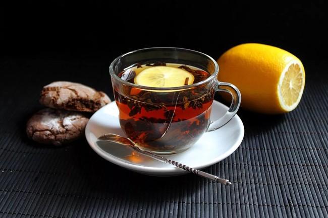 chernyj-chaj-s-limonom.jpg