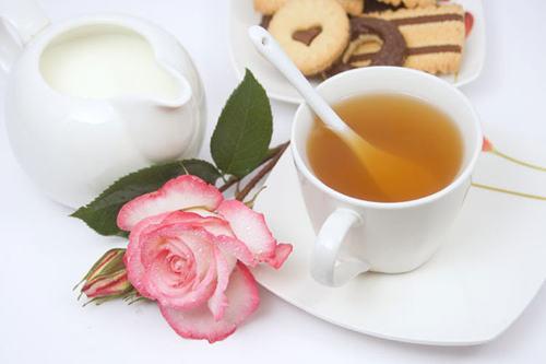 085-02-which-hand-is-better-to-stir-tea.jpg