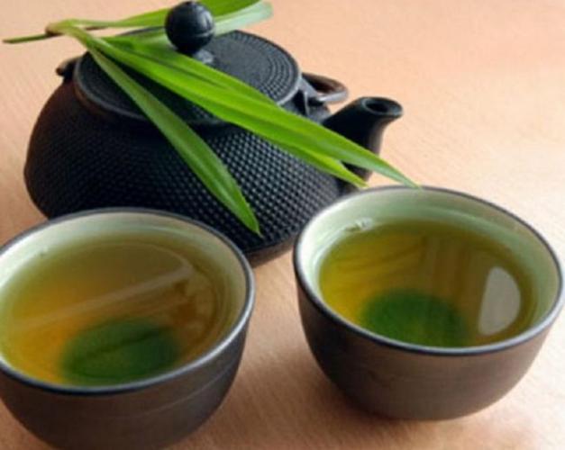 Сильно-настоянный-зеленый-чай.jpg