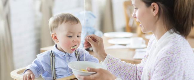 """Как вводить """"взрослую"""" еду в прикорм"""