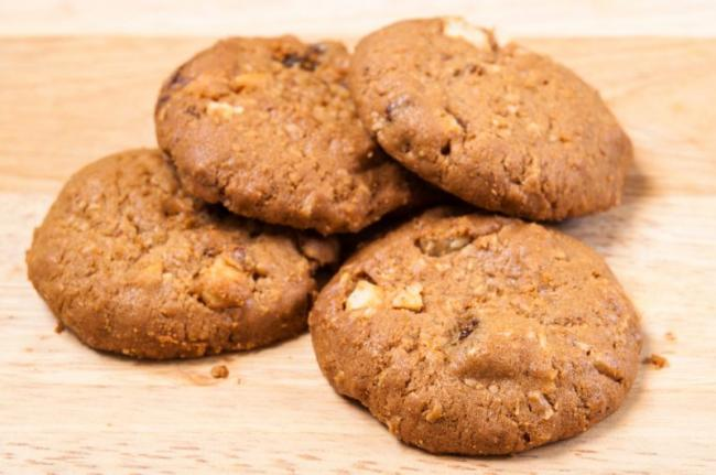 oatmeal-cookies-e1547886698471.jpg