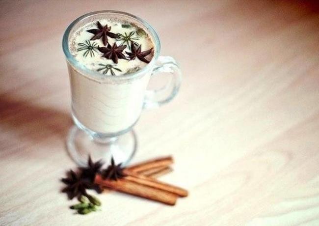 nizkokaloriinyi-prianyi-chai-lattie-svoimi-rukami-recipe-main-photo.jpg