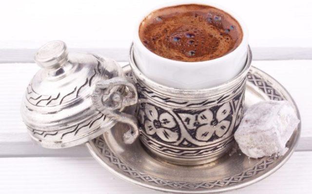 chashki-dlia-kofe-po-vostochnomu-9-640x399.jpg