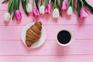 Tulips_Coffee_Croissant_Cup_601833_600x400.jpg