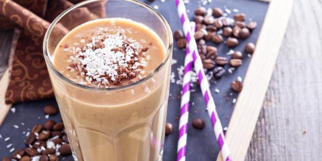 recette-de-smoothie-au-cafe_1200x.progressive.jpg